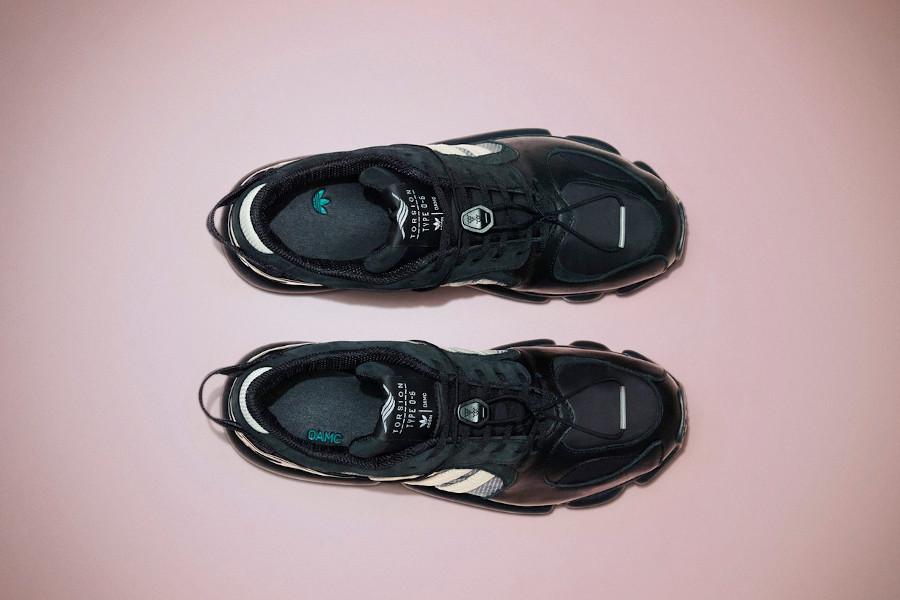 Adidas Type 0-6 noire et blanche FY6728 (1)