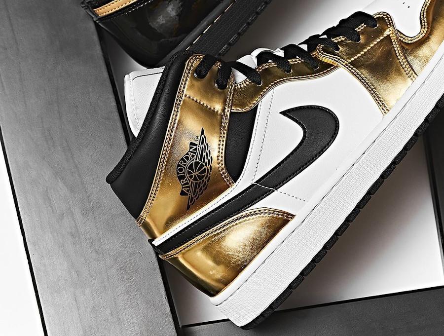 Air Jordan 1 mi-montante blanche et dorée (6)