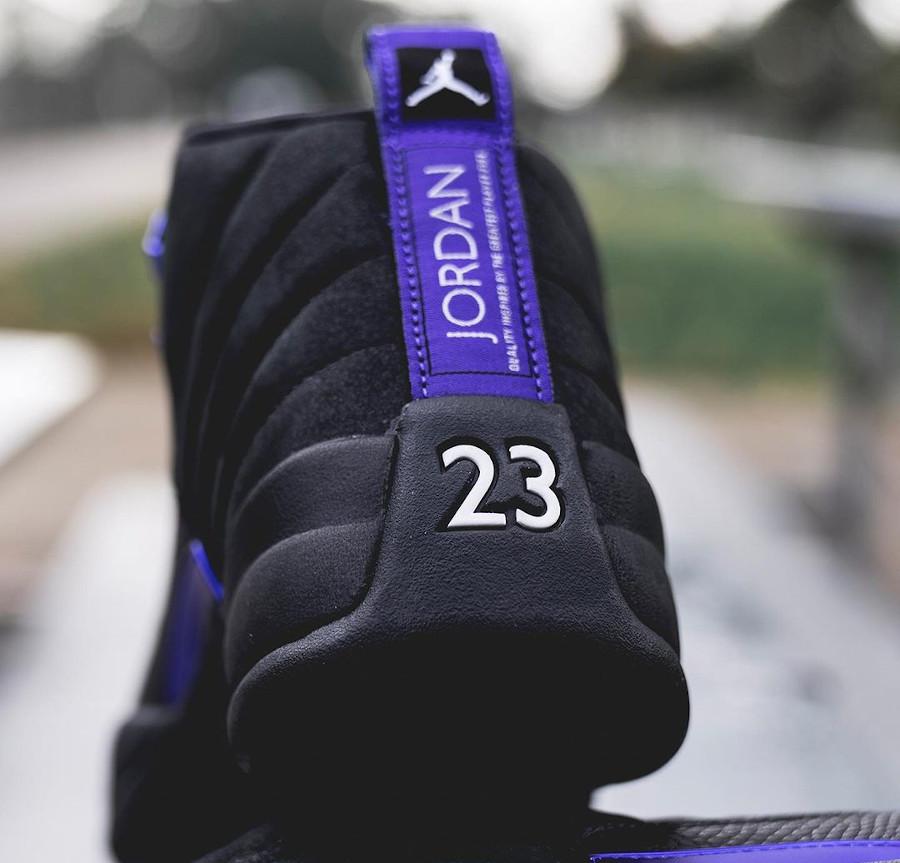 Air Jordan XII Retro 2020 noir et violet (2)