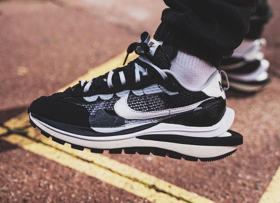 Chitose Abe x Nike Pegasus 83 VaporFly NEXT% noir et blanche (3)