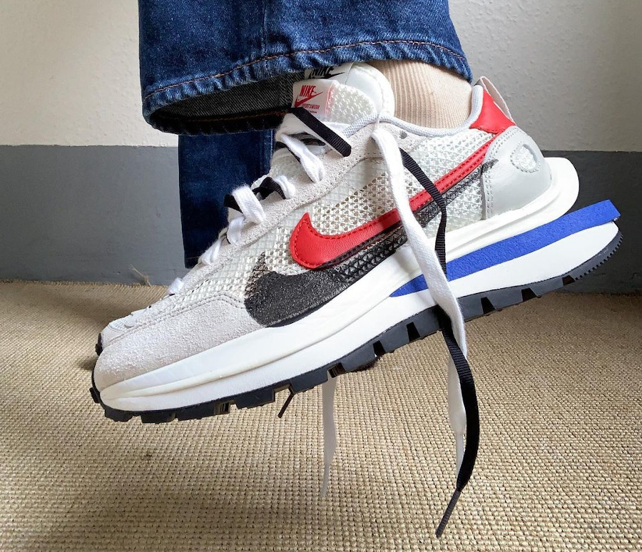 Chitose Abe x Nike Vaporfly Pegasus blanche grise et rouge (1)