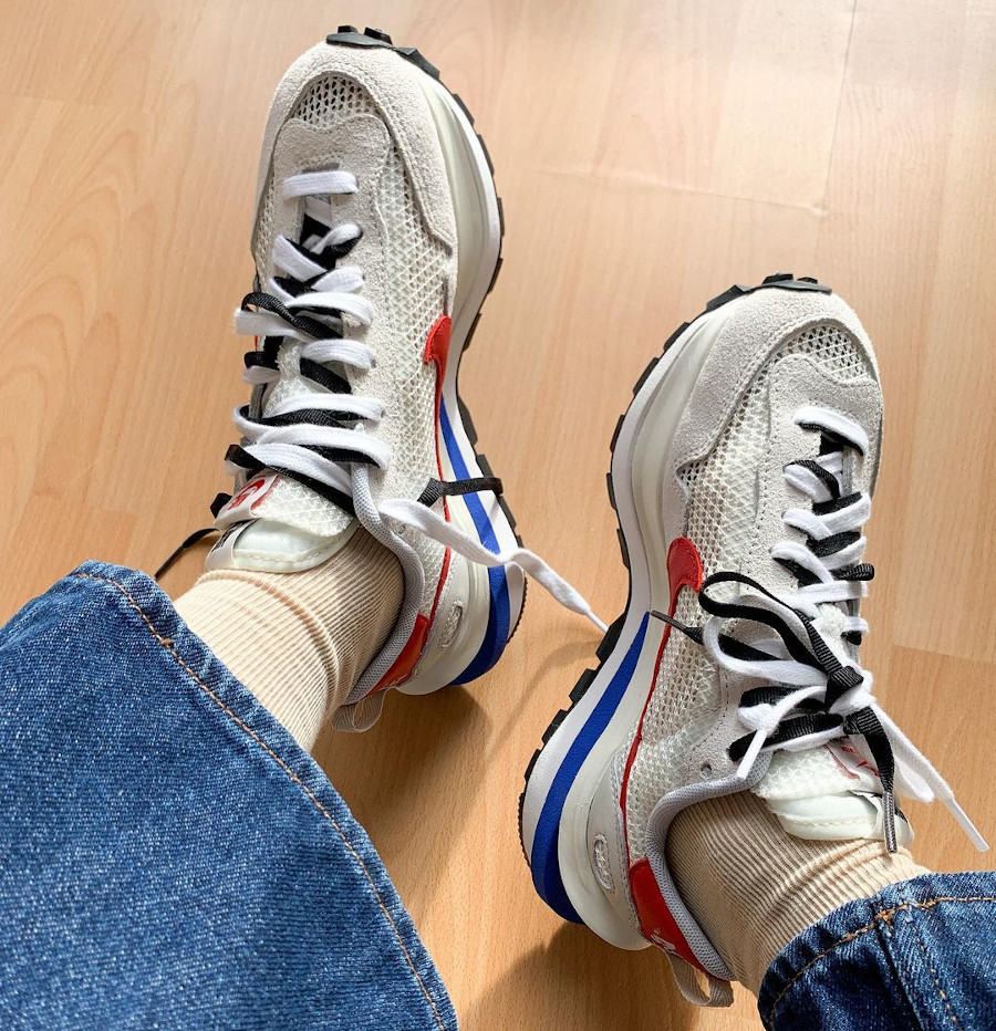 Chitose Abe x Nike Vaporfly Pegasus blanche grise et rouge (3)