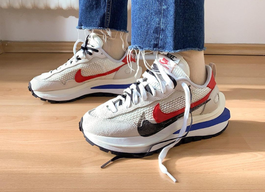 Chitose Abe x Nike Vaporfly Pegasus blanche grise et rouge (4)
