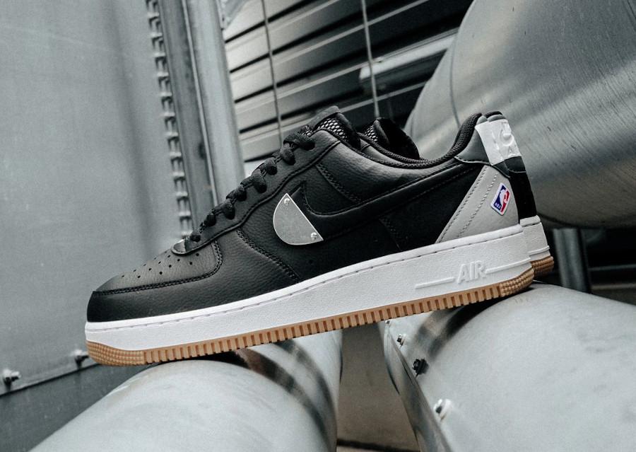 Nike AF1 '07 LV8 NBA 2020 noire et grise (1)