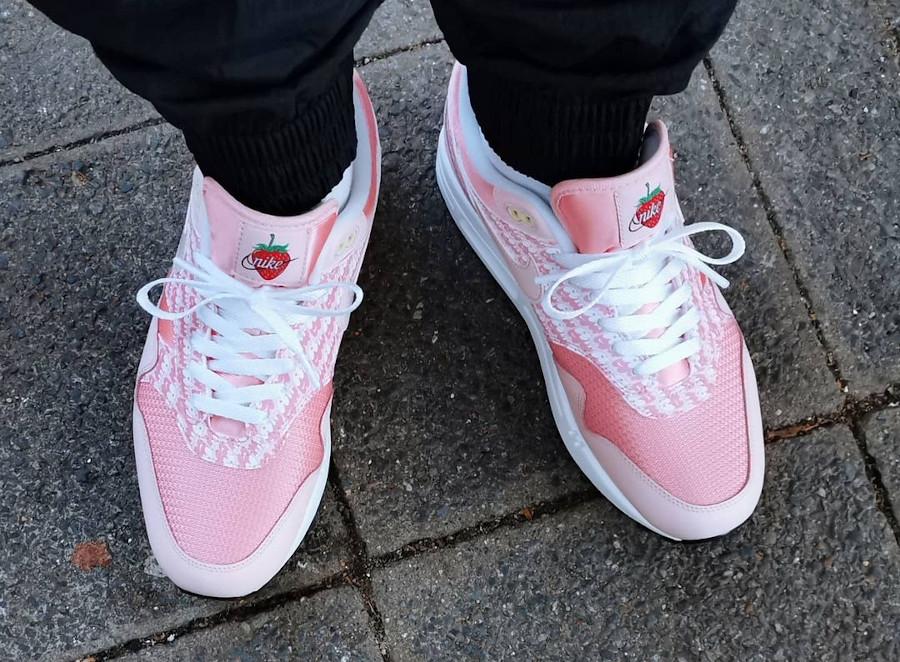 Nike Air Max 1 Powerwall rose fraise citron (5)