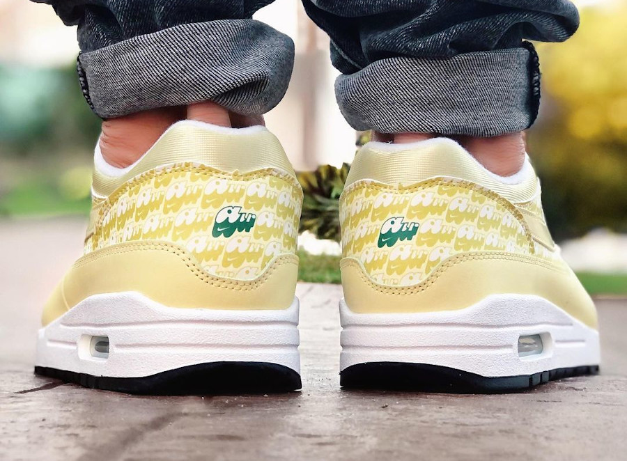 Nike Air Max 87 jaune citron on feet (1)