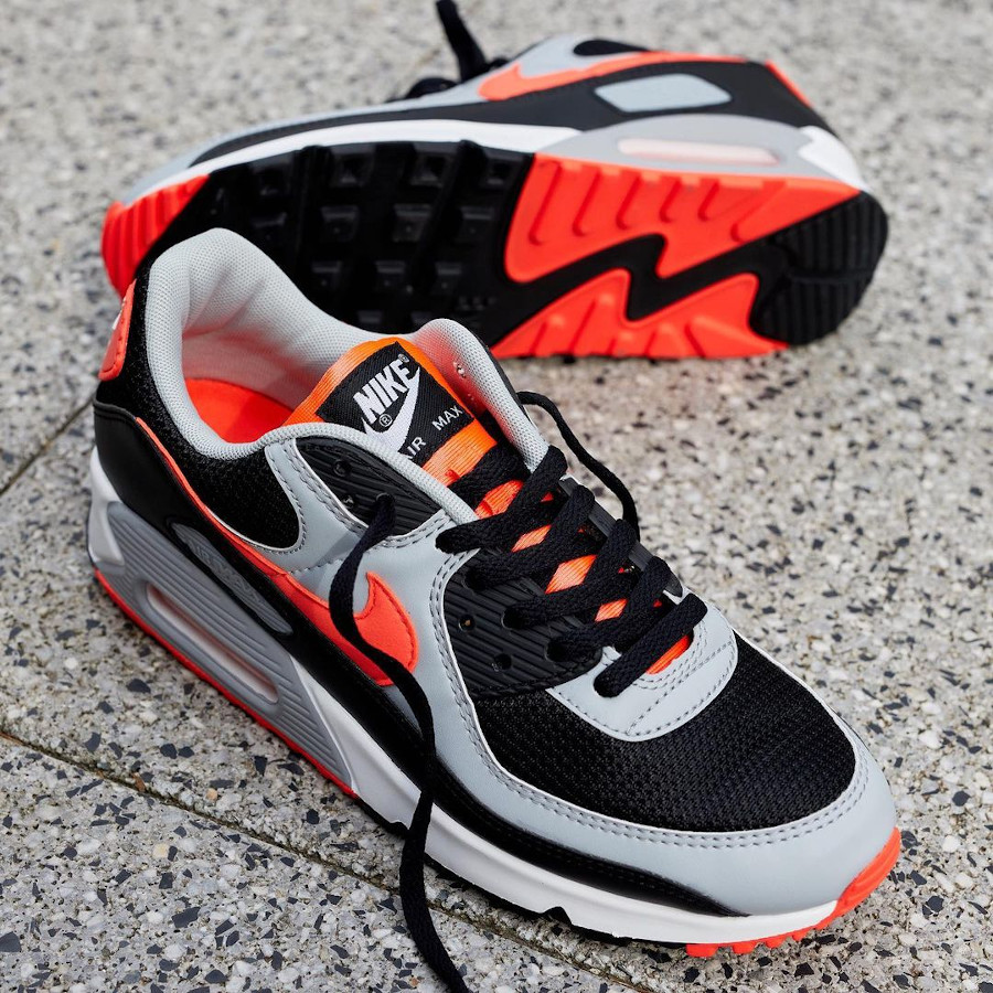 Nike Air Max 90 2020 grise noire et infrarouge (4)
