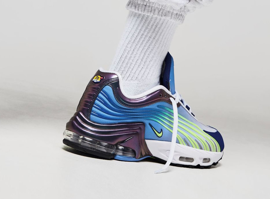 Nike Air Max Plus Tuned II OG Valor Blue Ghost Green 2020 (2)
