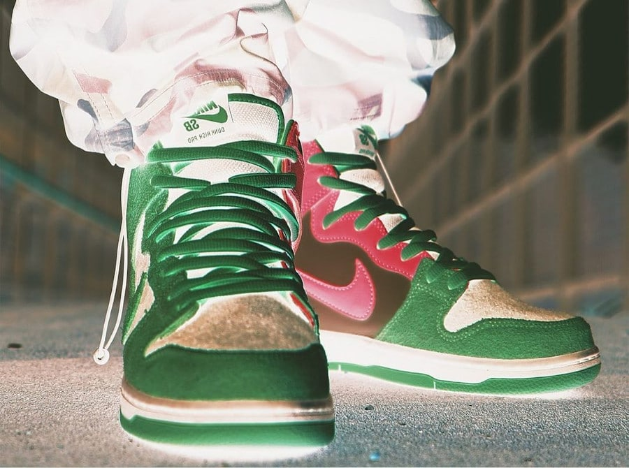 Nike Dunk High Pro SB inversée on feet (2)