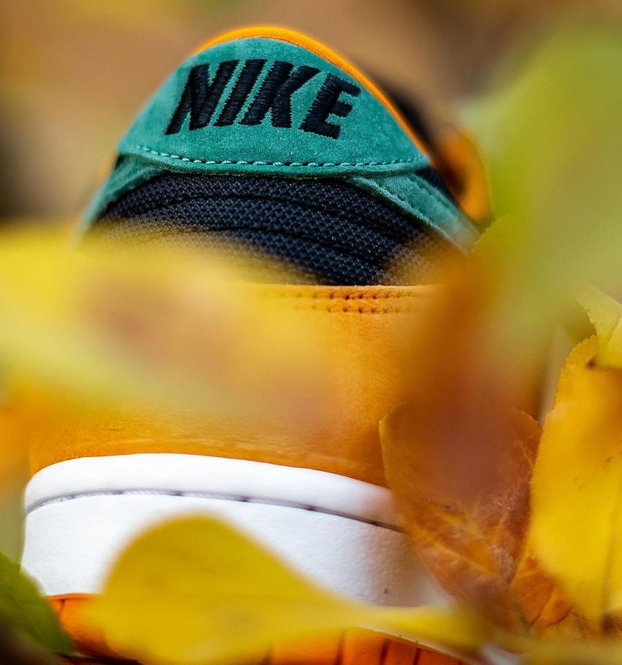 Nike Dunk Low SP CO.JP Suede orange céramique noir et vert (1)