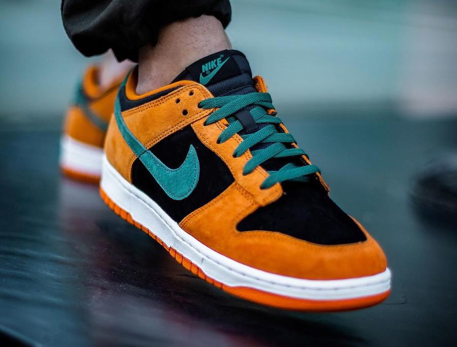 Nike Dunk Low SP CO.JP Suede orange céramique noir et vert (2)