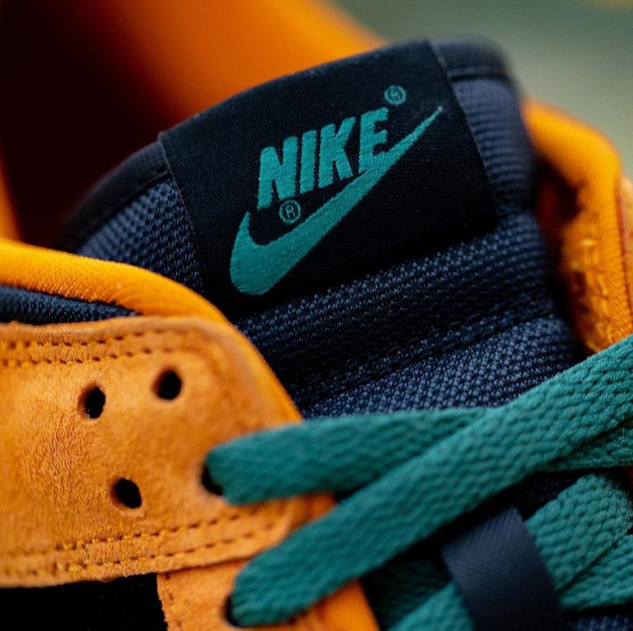 Nike Dunk Low SP CO.JP Suede orange céramique noir et vert (4)