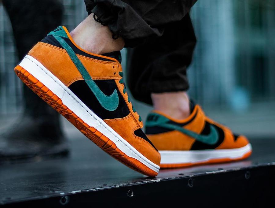 Nike Dunk Low SP CO.JP Suede orange céramique noir et vert (5)
