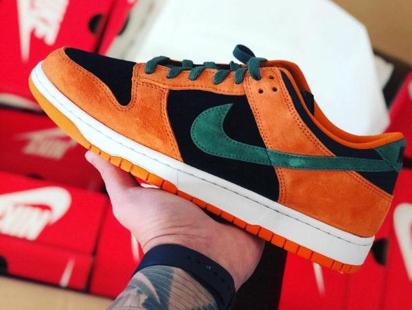 Nike Dunk Low SP CO.JP Suede orange céramique noir et vert (7)