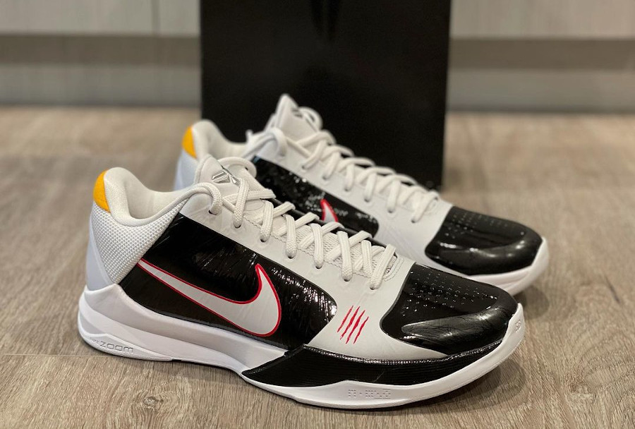 Nike Kobe V Opération Dragon blanche et noire (3)