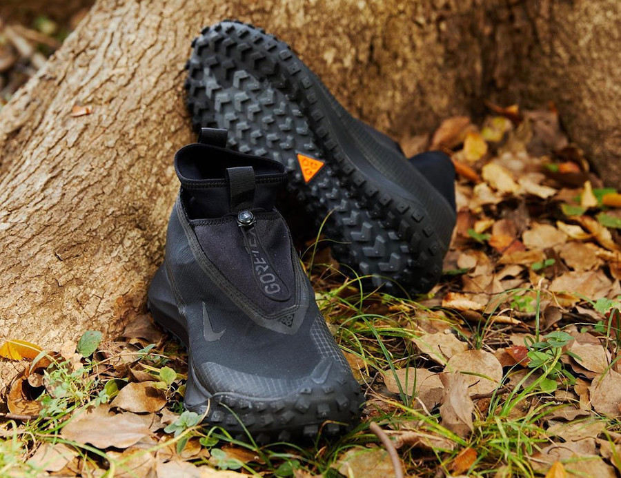 Nike Mountain Fly noire CT2904-002 (2)