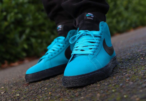 Nike SB Blazer Mid Invert Pack Baltic Blue 864349-400 (couv)