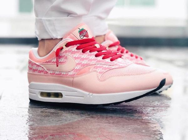 Nike air max 1 powerwall strawberry pink lemonade cj0609-600