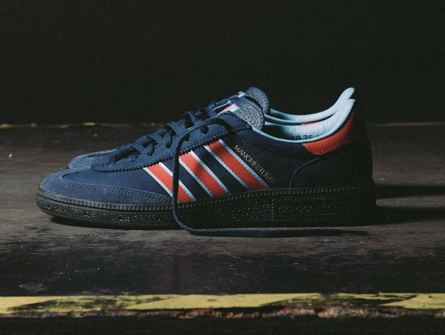 Adidas Manchester handball bleu et rouge (3)