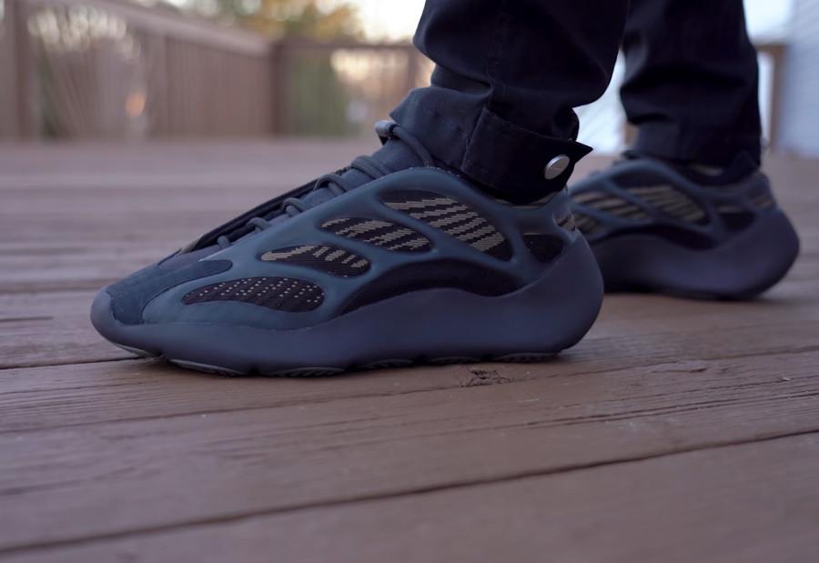 Adidas YZY700 V3 Clay Brown (Eremiel) GY0189