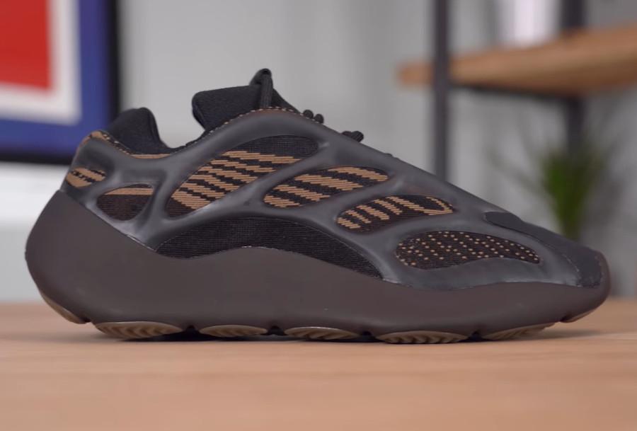 Adidas Yeezy 700 marron et beige (1)