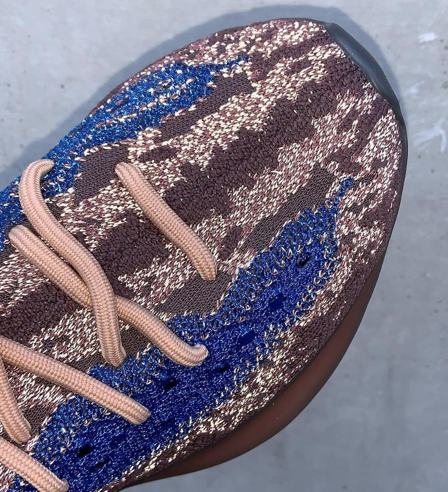 Adidas Yezzi 380 Boost marron bleue réfléchissante H02538