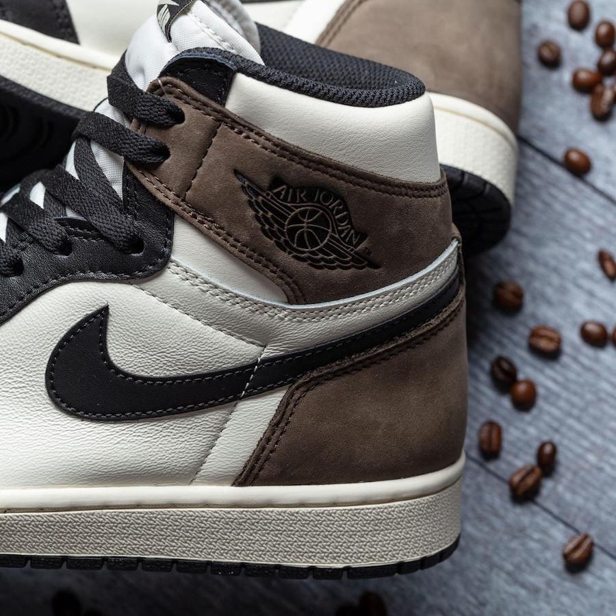 Air Jordan 1 montante en suède marron café (1)