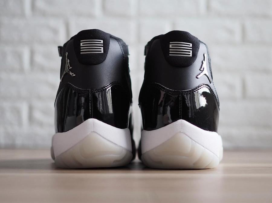 Air-Jordan-XI-Patent-Leather-Black-Clear-3