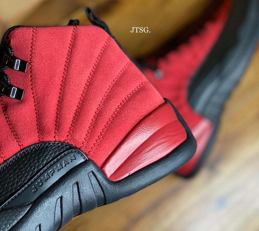 Air Jordan XII rouge et noire inversée (1)