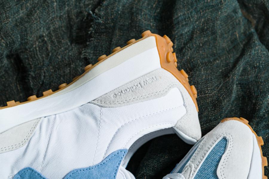 New-Balance-327-femme-en-jeans-bleu-ciel-5