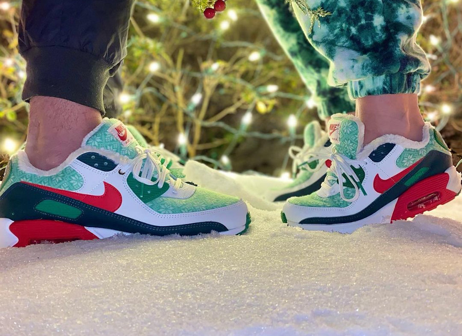 Nike AM90 PRM Nordic Christmas Ugly Sweater DC1607-100