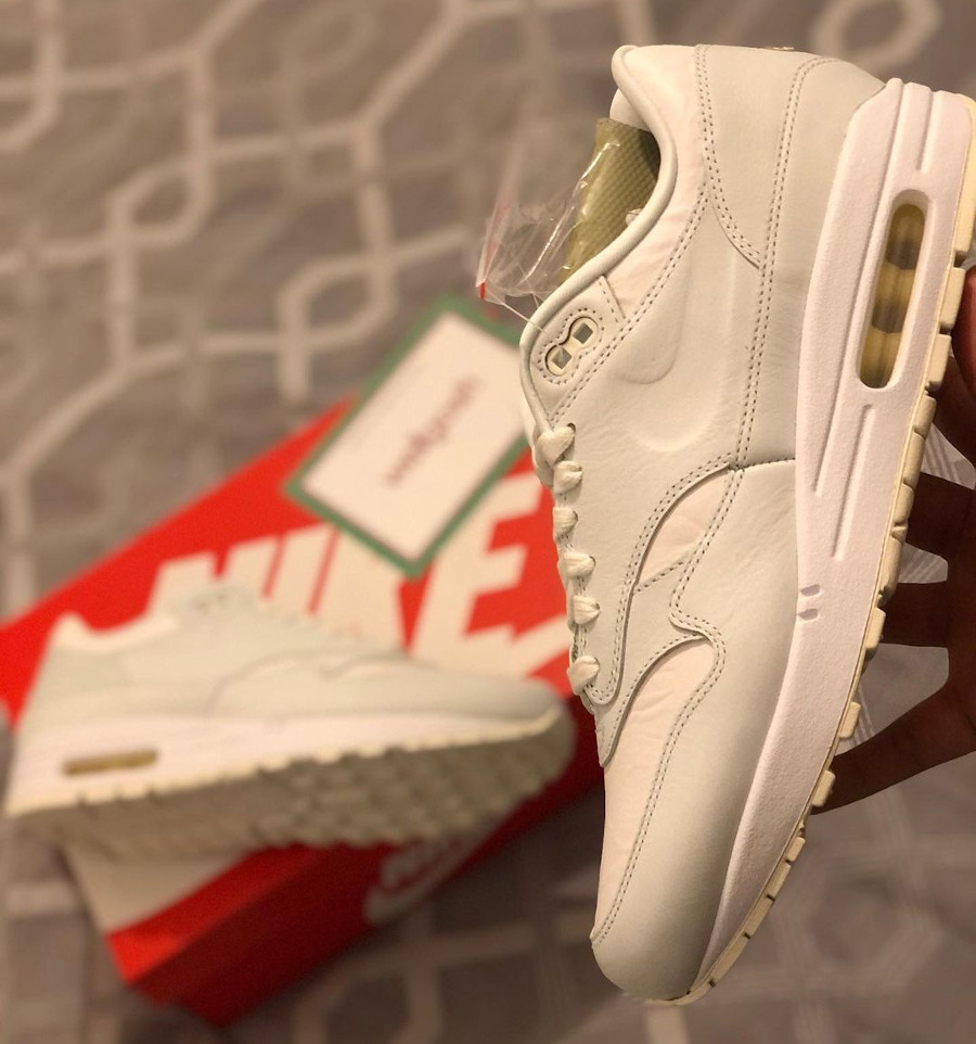 Nike Air Max 87 blanche Tears Away (1)