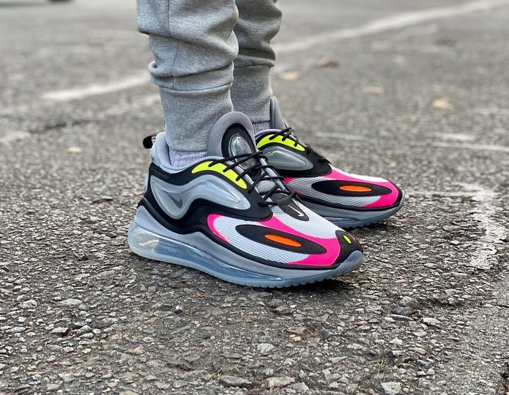 Nike Air Max Zephyr grise rose et vert fluo on feet (2)
