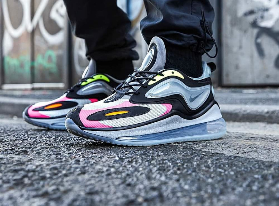 Nike Air Max Zephyr grise rose et vert fluo on feet (5)