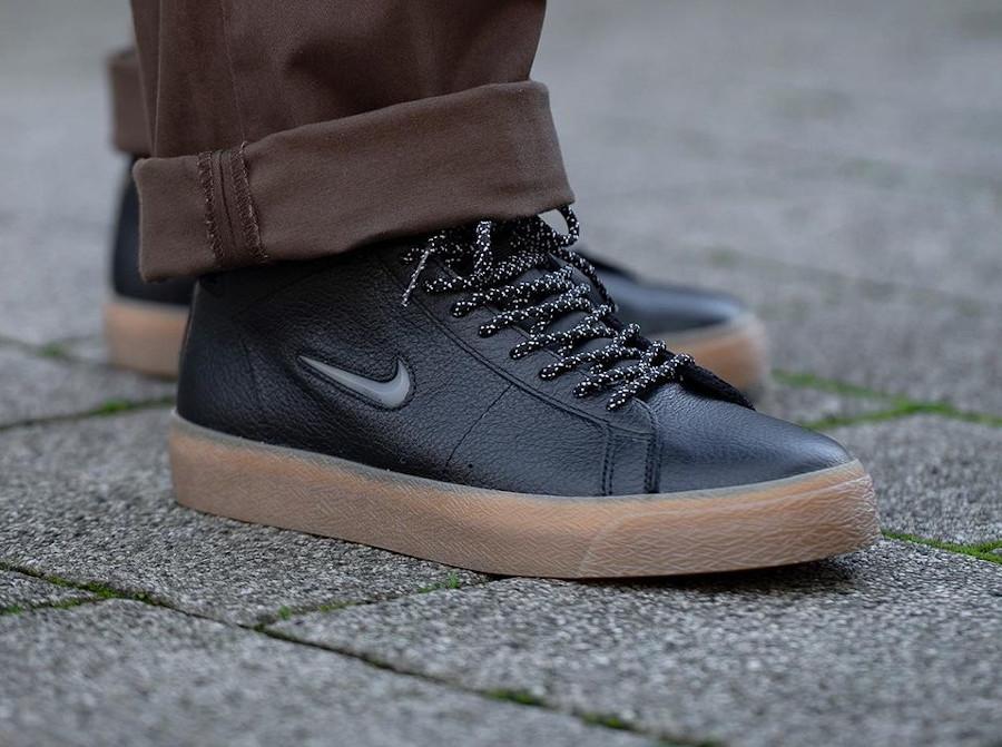Nike Blazer Mid SB noire et gomme (4)