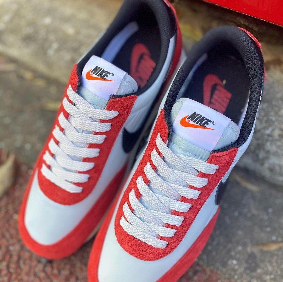 Nike Daybreak rouge blanche et noire (1)