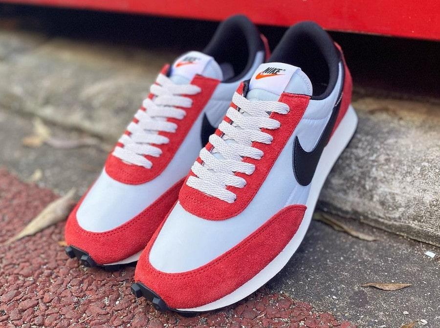 Nike Daybreak rouge blanche et noire (2)