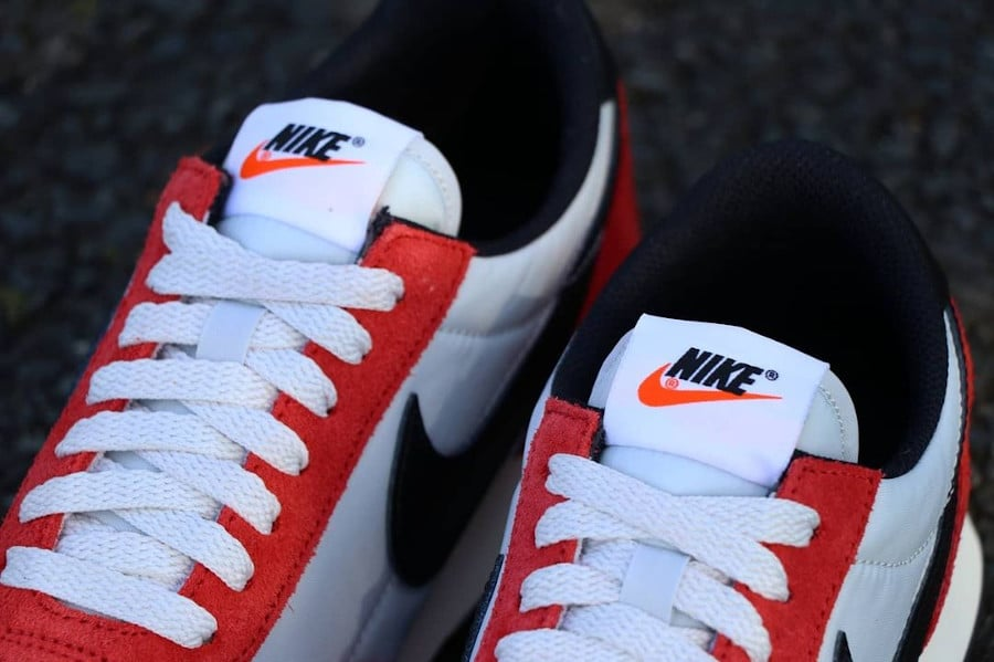 Nike Daybreak rouge blanche et noire (3)