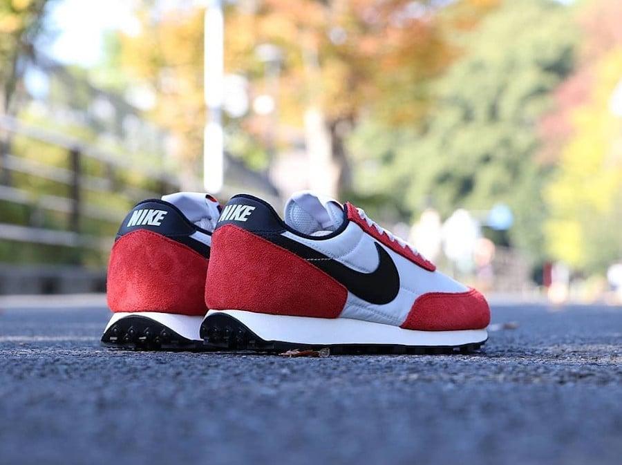 Nike Daybreak rouge blanche et noire (4)