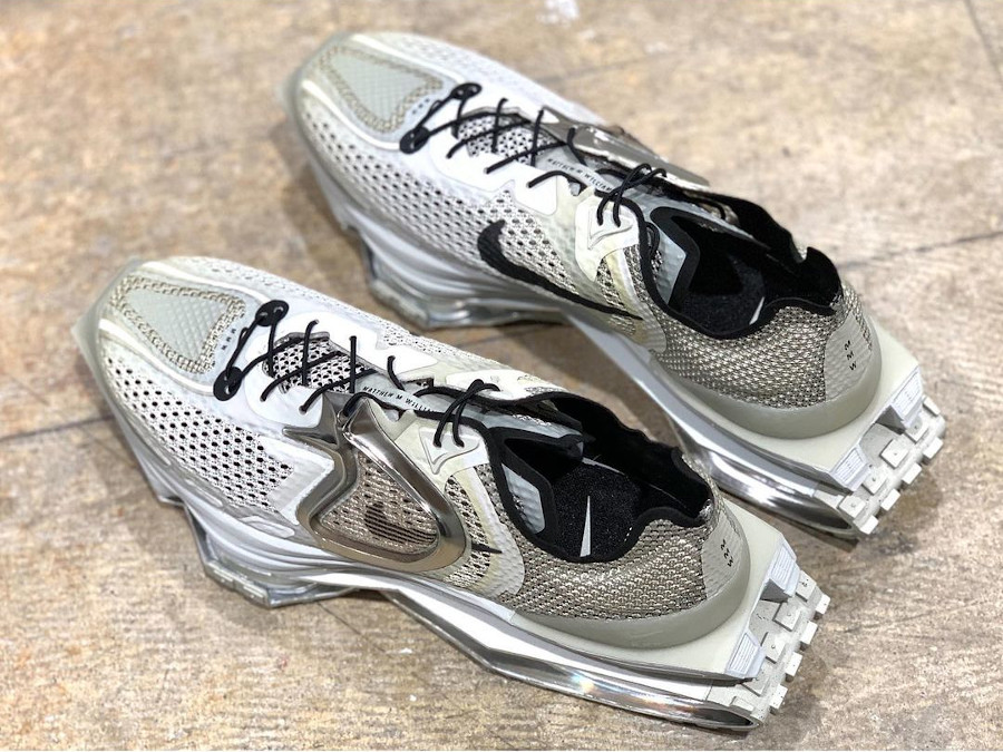 Nike Zoom 004 grise New York Fashion Week 2020 (2)