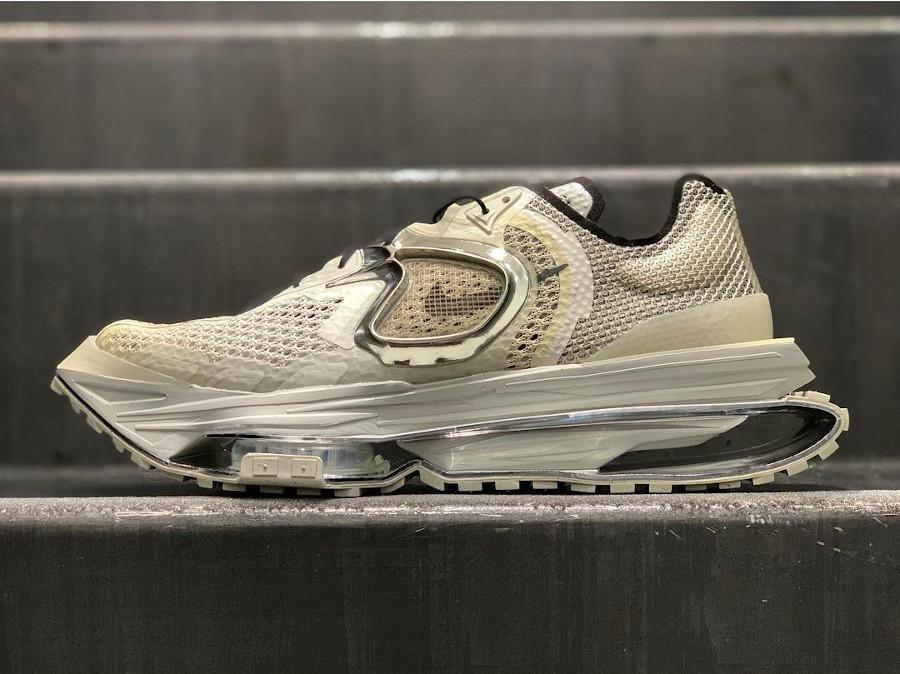 Nike Zoom 004 grise New York Fashion Week 2020 (4)