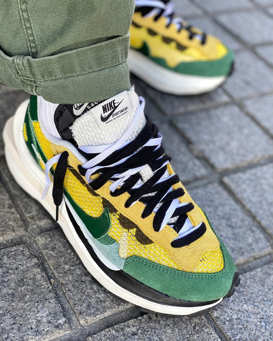 Nike x Sacai VaporWaffle Yellow Green Oregon CV1363-700