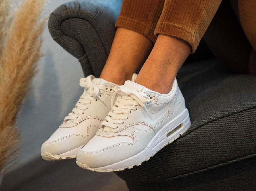 Women's Nike Air Max 1 HH blanche (3)