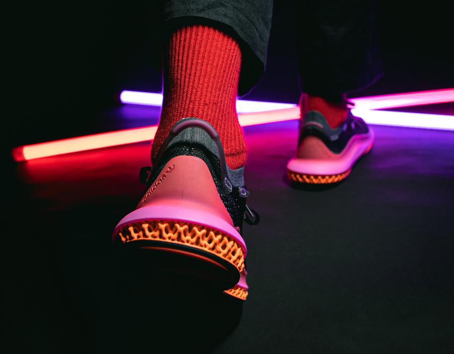 Adidas 4D Fusio noire orange et rose (2)