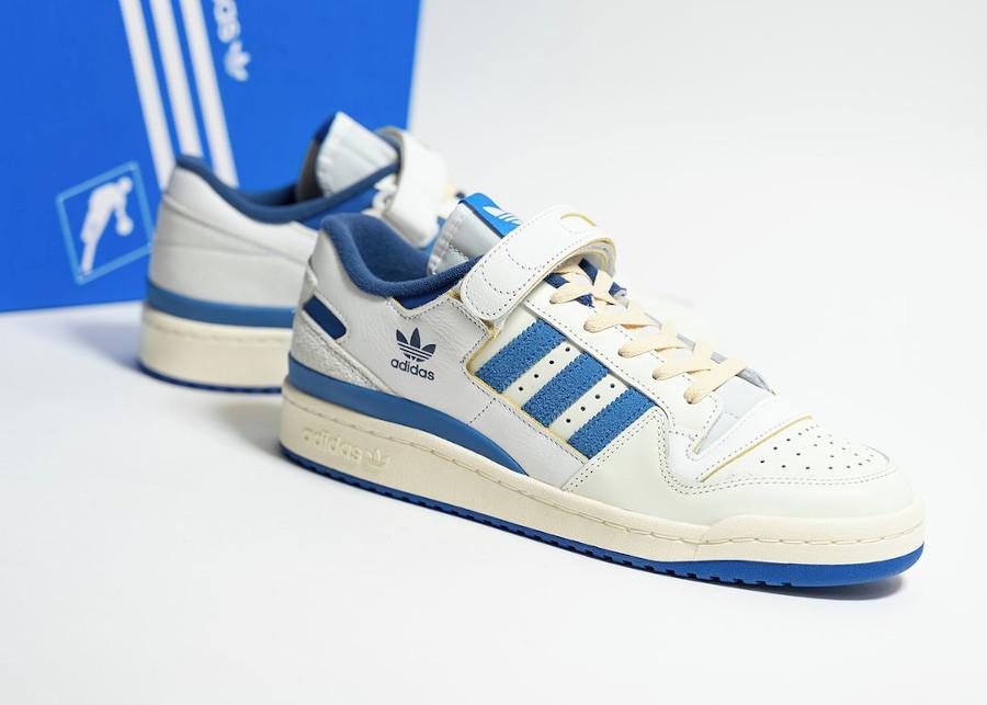 Adidas Forum 1984 basse blanche et bleue (4)