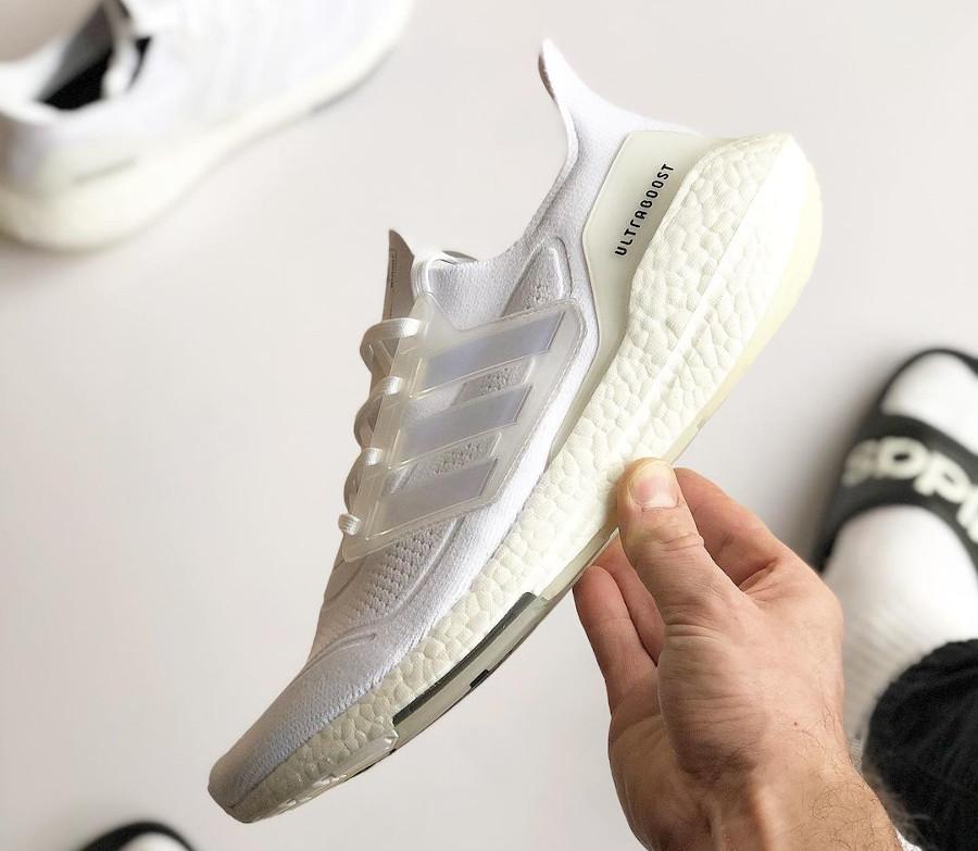 Adidas Ultra Boost 2021 blanche (3)