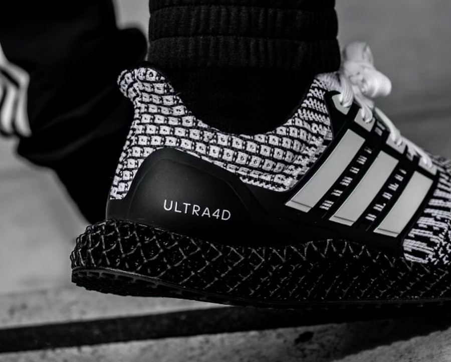 Adidas Ultra Boost 4D blanche et noire (2)