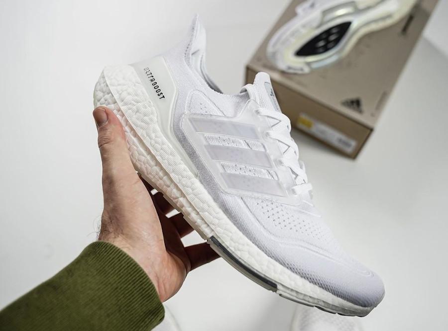 Adidas UltraBoost 21 Primeblue blanc Triple White FY0846