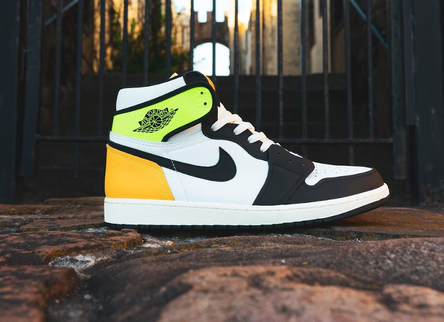 Air Jordan 1 Black Toe vert fluo et jaune moutarde (3)