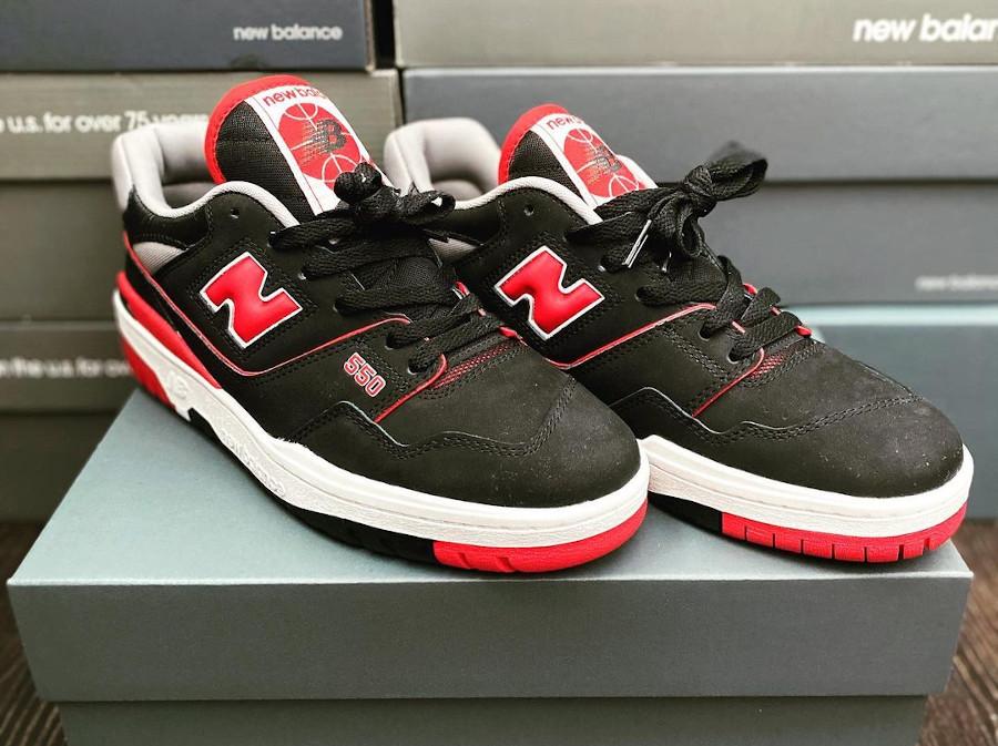 New Balance 550 rouge et noire (1)